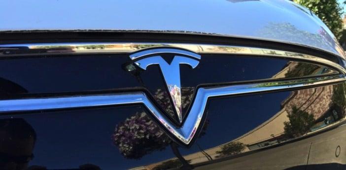 Tesla Model 3 Pic 2